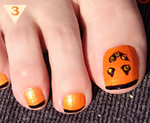 Halloween Pedicure Nail Art
